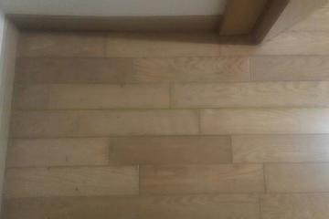 老朽化した床
